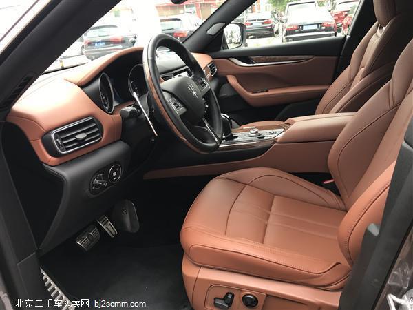 玛莎拉蒂 2018款 Levante 3.0T AT 四驱 430Hp 运动版