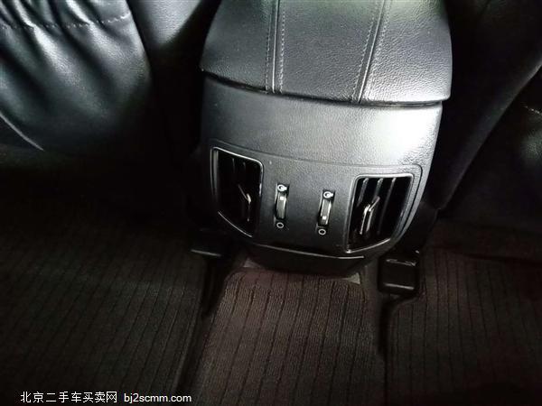 现代 索纳塔八 2011款 2.0L 自动尊贵版