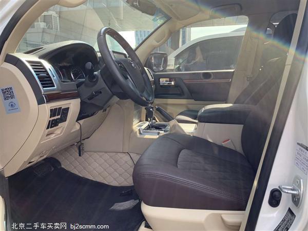 丰田 2016款 兰德酷路泽(进口) 4600 V8 中东版