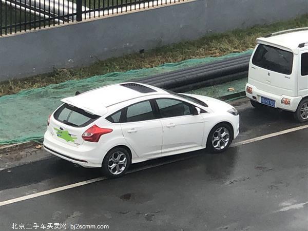 福特 福克斯 2012款 两厢 2.0L 手动豪华运动型