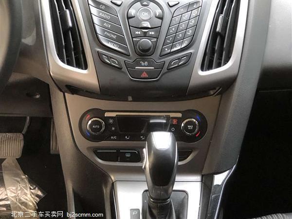 福特 2012款 福克斯 三厢 1.6L 自动风尚型