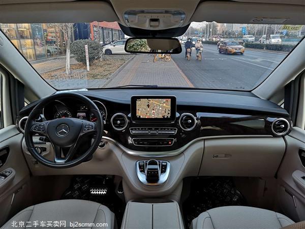 2018款 奔驰V级 V 260 L 尊贵加长版 国V