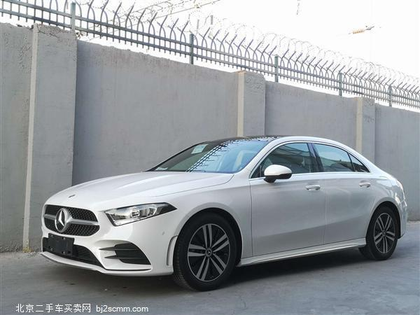 2019款 奔驰A级 A 180 L 运动轿车