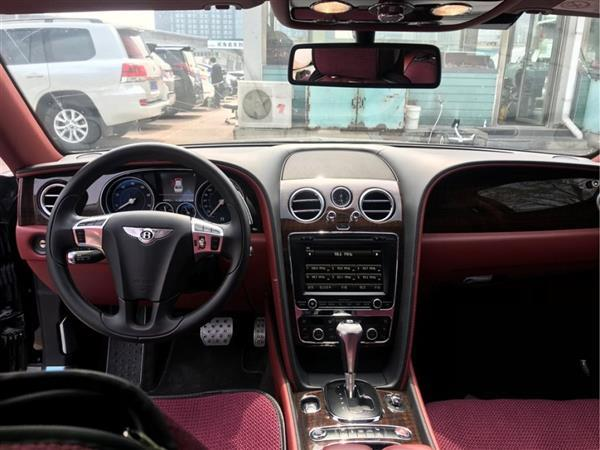 飞驰 2016款 4.0T V8 标准版