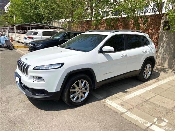 Jeep 自由光 2016款 2.4L 优越版
