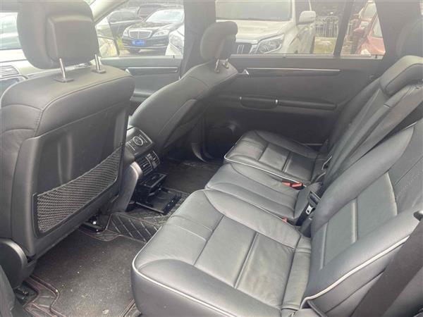 奔驰R级 2017款 R 320 4MATIC 商务型臻藏版