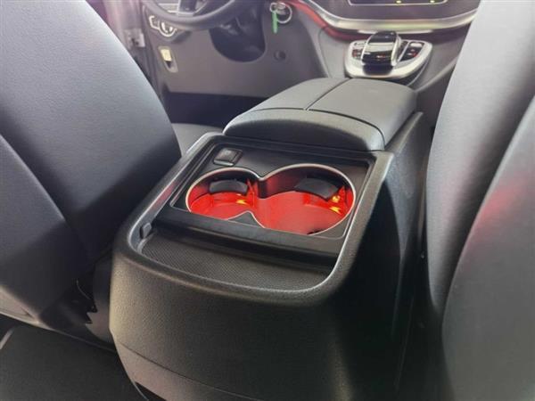 奔驰V级 2018款 V 260 AMG 运动版 国V