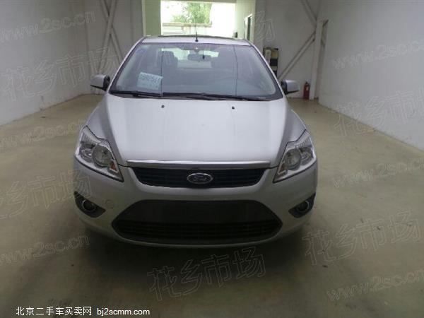 福特 福克斯 2011款 三厢 1.8L 自动豪华型