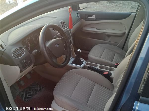 福特 福克斯 2005款 三厢 1.8L 手动经典型