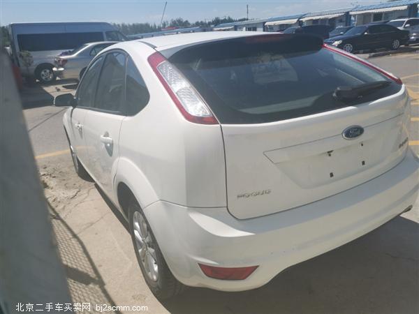 福特 福克斯 2013款 两厢经典 1.8L 自动基本型
