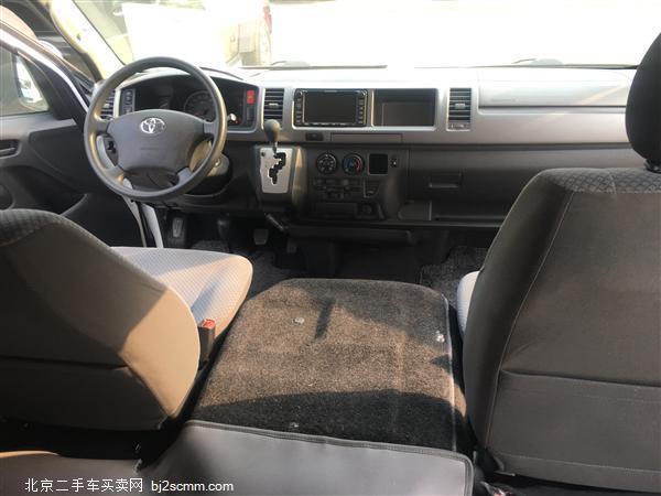 丰田 2011款 HIACE 2.7L自动标准版13座